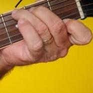 Parmakları Genis Açma
